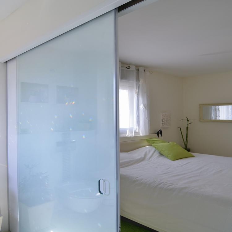 תוספת דלתות זכוכית IZ-16